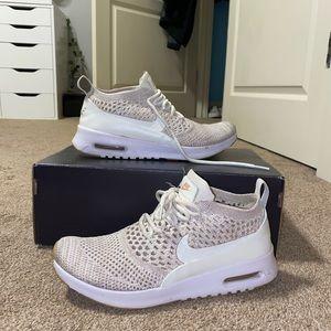 Nike Flyknit Air Mac Thea